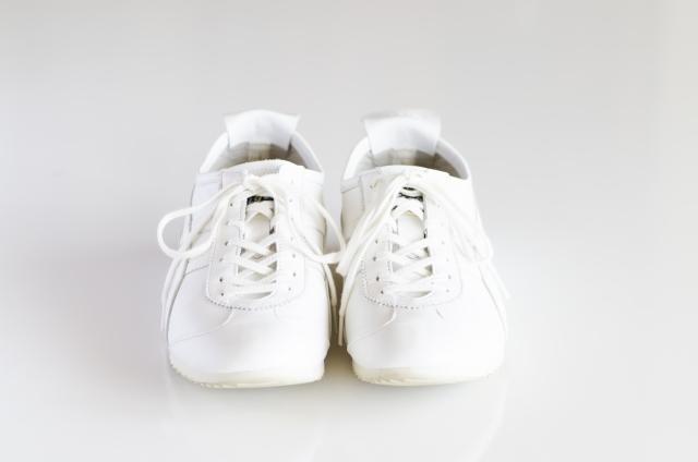 根本から消臭するには「足・靴・靴下」を同時に対策